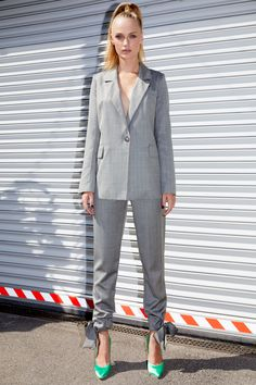 Framboise - Light grey masculine blazer and pants