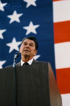 Ron Greatest Presidents, American Presidents, Us Presidents, American History, 40th President, President Ronald Reagan, Former President, Nancy Reagan, January 15