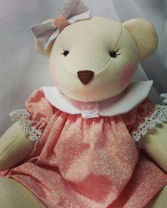 Ursa para decoração Confeccionada em tecidos de algodão.