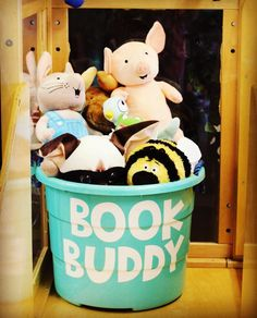 Book buddies for classroom reading. Keep a bin in your classroom library area to keep all of your character stuffed animals.Book buddies for classroom reading.Reading independently is not so independent anymore :) Store book buddies in a tubBuild a First Grade Classroom, Classroom Setting, Future Classroom, Reading Corner Classroom, Kindergarten Reading Corner, Classroom Door, Book Corner Eyfs, Preschool Reading Corner, Preschool Classroom Layout