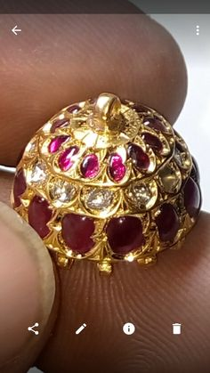 Antique Jewellery Designs, Antique Jewelry, Jewelry Design, India Jewelry, Ethnic Jewelry, Gold Beats, South Indian Jewellery, Girl Closet, Indian Attire