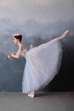 Alèna Grivninâ, The Bolshoi Ballet Academy - Photographer Daria Chenikova Дариа Ченикова