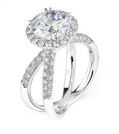 Stunningly beautiful #diamond #engagement ring! #modern #bride #bridal