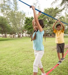 Kids Outdoor Play, Outdoor Fun, Outdoor Learning Spaces, Outdoor School, Outdoor Classroom, Play Spaces, Backyard Obstacle Course, Lower Body Muscles, Balance Beam
