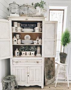 Farmhouse Cupboard @lizmariegalvan