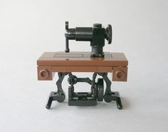 LEGO Sewing Machine Madness Come share in the fun of sewing, quilting, crafting, free patterns, creative fun and fabric! Lego Modular, Design Lego, Modele Lego, Construction Lego, Lego Furniture, Minecraft Furniture, Micro Lego, Lego Boards, Cool Lego Creations