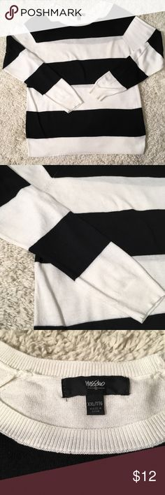 Mossimo Black and Cream Striped Crewneck Sweater Casual and comfy Mossimo striped crewneck sweater is a perfect match for your skinny jeans and fall booties. EUC, in fact only worn once. Size XXL. Smoke free, pet free home Mossimo Supply Co. Sweaters Crew & Scoop Necks