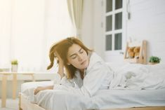 8 Things You Do That Ruin Your Sleep - Sleep is something that we spend a third of our life doing. It would seem only natural for us to be excellent at it, but as it turns out, we still make a lot of mistakes when it comes to achieving quality sleep. Not everyone sleeps the same, and some people just have trouble sleeping at all....  - https://cdn.freshdailyhealth.com/sleep/8-things-you-do-that-ruin-your-sleep/