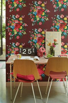 love the bold color and floral