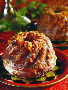Polish Royal Babka with Raisins by Chef Bogdan Galazka - © Multico Books, used with permission.