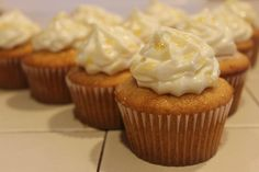 rosemary infused honey cupcakes with cream cheese frosting and honey drizzle
