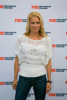 Laurie  Holden.