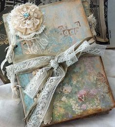 Lace Wedding Guest Book Vintage Cottage by youruniquescrapbook                                                                                                                                                                                 もっと見る