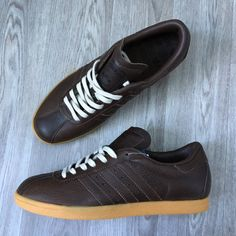Adidas Tobacco FG. Article: 672762. Year: 06/01. Made in Indonesia.