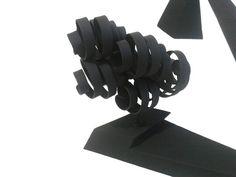 """""""Sueño con atrapar nubes negras: detalle. Escultura en metal"""