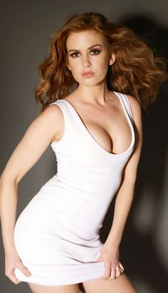 My 44 favorite images of Isla Fisher, one for each year she's been on the planet. If you like what you see here, check out my Hottest Month of the Year Poll. Beautiful Celebrities, Beautiful Actresses, Gorgeous Women, Hot Actresses, Isla Fisher, Actrices Hollywood, Foto Pose, Sexy Shorts, Redheads