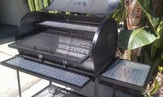 barbacoa casera bidon Diy Grill, Barbecue Grill, Bbq Pics, Oil Drum Bbq, Parrilla Exterior, Barrel Smoker, Fire Pit Grill, Homemade Smoker, 55 Gallon Drum