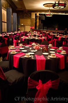 Chair Covers And Linens Indianapolis Ikea Nursery Book Themed Wedding Reception The Central Library Table Make A Huge Difference Love Combo Of Black