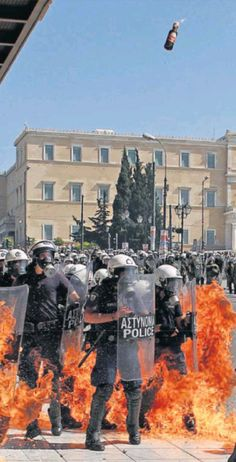 27 Sept. #Grèce en flammes : partout à la Une, sauf en France