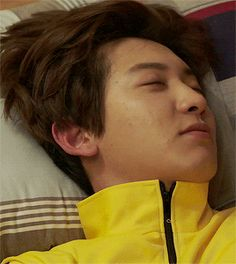 Chanyeol no makeup and sleepy. Chanbaek, Baekyeol, Exo Ot12, Park Chanyeol Exo, Exo Chanyeol, Exo K, Kyungsoo, Rapper, Music Genius