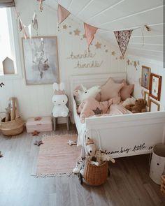 @charlotte.hjornevik 😍 Ikea Toddler Room, Toddler Bed, Kids Room, Big Girl Rooms, Kid Spaces, Beautiful Bedrooms, Beautiful Children, Baby Room, Baby Kids