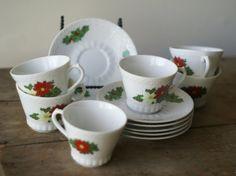 holiday tea set #vintage #holiday