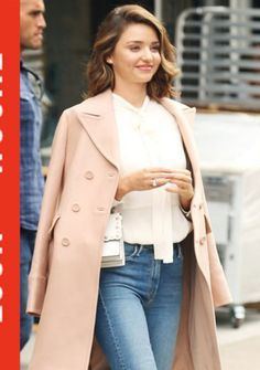 Miranda Kerr, Permed Hairstyles, Neue Trends, Well Dressed, Duster Coat, Hair Makeup, Womens Fashion, Style Fashion, Perm Hair