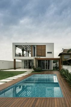 58 Super Ideas For House Design Exterior Modern Pools Decks Around Pools, Design Exterior, Modern Exterior, Modern Pools, Modern Pool And Spa, Swimming Pool Designs, Home Swimming Pool, Amazing Swimming Pools, Swimming Pool Landscaping