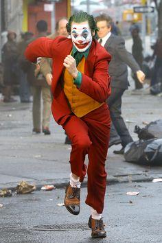Joker 2019 Running Joaquin Phoenix HD Mobile, Smartphone and PC, Desktop, Lap. - Best of Wallpapers for Andriod and ios Joker Film, Joker Batman, Joker Art, Gotham Batman, Batman Art, Batman Robin, Joaquin Phoenix, Joker Photos, Joker Images