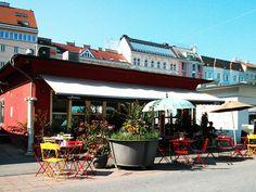 Da wo einst noch das Madiani war, befindet sich jetzt das cafemima. Der Kamelitermarkt ist nicht um ein Café ärmer, er ist um ein jüngeres reicher