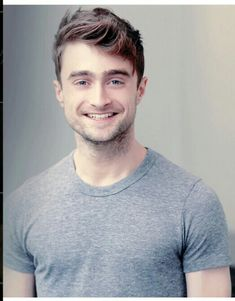 Daniel Radcliffe - he still has that same smile since hp. - Daniel Radcliffe – he still has that same smile since hp. Harry Potter World, Harry Potter Dvd, Fans D'harry Potter, Harry Potter Characters, Ginny Weasley, Ron Et Hermione, Draco Malfoy, Hermione Granger, Daniel Radcliffe Harry Potter