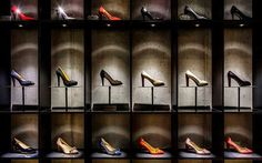 Delicate Footgear shoe store by Bespoke Munich Germany 03 Delicate Footgear shoe store by Bespoke, Munich Germany Shoe Store Design, Retail Store Design, Retail Shop, Shoe Shop, Shoe Display, Display Design, Visual Merchandising Displays, Shoe Boutique, Retail Interior