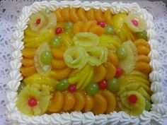 Mariian valmistama gluteeniton ja laktoositon hedelmäkakku tilaukseen! Kakusta tuli kaunis!