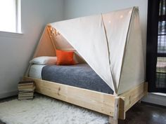 Diy kids teepee bed tent 50 new ideas Toddler Bed Tent, Diy Kids Teepee, Teepee Bed, Kids Teepee Tent, Diy Tent, Cool Toddler Beds, Bunk Bed Tent, Baby Room Design, Baby Bedding