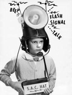 Atompunk and Dieselpunk are sci-fi visions of past decades - a past that never was, if you will. Weird Vintage, Vintage Ads, Vintage Photos, Vintage Advertisements, Vintage Clothing, Arte Robot, Baby Boomer, The Future Is Now, Atomic Age