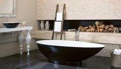 Que delicia, banheira e lareira juntas!