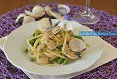 Le linguine con vongole e piselli sono un primo piatto leggero, veloce e molto gustoso da preparare in pochissimo tempo.