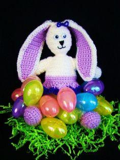 Miss Bunny - free crochet pattern