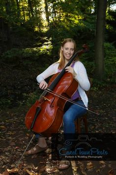 Portraits with a Cellist. Portraits with cello and musical instruments. Outdoor portrait photography
