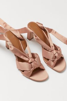 Sandals in satin with covered heels and long straps to tie around ankles. Faux leather lining and insoles. Heel height 3 in. Pink Ladies, Satin Rose, H&m Shoes, Powder Pink, High Heel Pumps, Personal Style, Footwear, Ankle, Lady