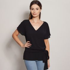 3fb06f3eaf blusas   camisas - Benta Ateliê - Loja Virtual benta ateliê. blusa decote v  laço preta
