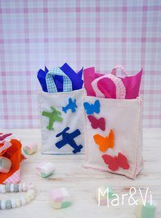 cómo hacer detalles de cumpleaños caseros Ideas Para Fiestas, Goodie Bags, Art For Kids, Minnie Mouse, Packaging, Baby Shower, Sewing, Birthday, Tableware