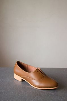 Laceless and easy to slip-on oxfords with a wider opening. Worn like flats, but with the sophistication of an Oxford. Oxfords, Loafers, Wide Feet, Oxford Shoes, Footwear, Slip On, Pairs, Flats, Heels