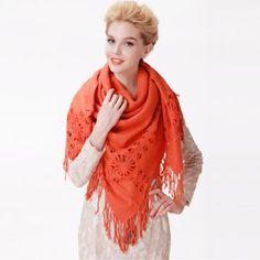 chalinas a crochet para mujeres con flecos y flores caladas Fringes, Women
