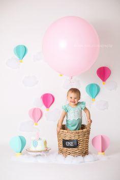 Hot Air Balloon Theme Cake Smash #themedcakes