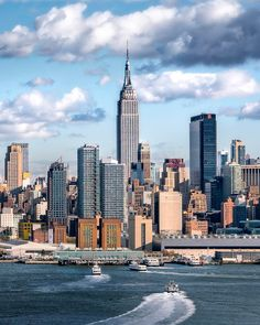 New York City. One of the most beautiful things for me to see is a gorgeous city skyline. One day I will see New York City. New York City, Go To New York, New York Vacation, New York Travel, Empire State Building, Places To Travel, Places To See, Voyage New York, City Aesthetic
