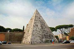ROME - ITALY  Pirâmide de Caio Cestio