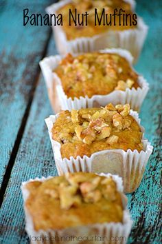 Welcome Fall with these Banana Nut Muffins!the smell of Banana Nut Muffins is such a warm feeling. It means fall is in the air and the holiday Banana Nut Muffins - Banana Nut Muffins - Lady Behind The Curtain Simple Muffin Recipe, Healthy Muffin Recipes, Banana Recipes, Banana Nut Muffins, Banana Nut Bread, Cupcakes, Cupcake Cakes, Yummy Treats, Yummy Food