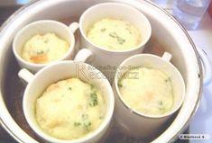Výborné hrníčkové knedle - Recepty.cz - On-line kuchařka Slovak Recipes, Czech Recipes, Vegan Recipes, Cooking Recipes, Ethnic Recipes, Bread Dumplings, Pots, Desert Recipes, Bread Baking