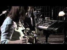 Natalia Lafourcade feat Lila Downs ~ La Fugitiva
